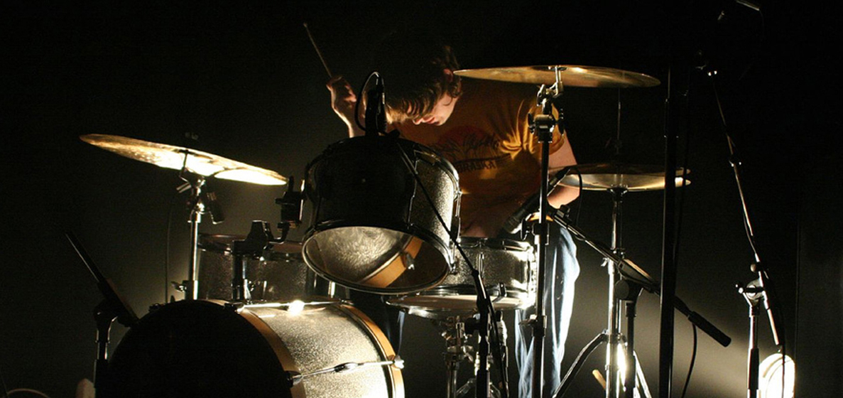 Kristian Goddard Playing drums with Scout Niblett
